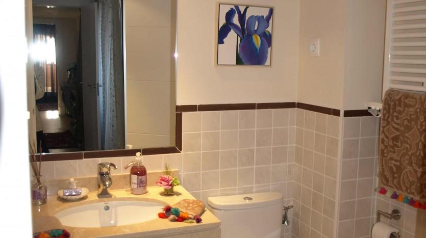 grupo-laromana-baño 2 -valdeluz-guadalajara